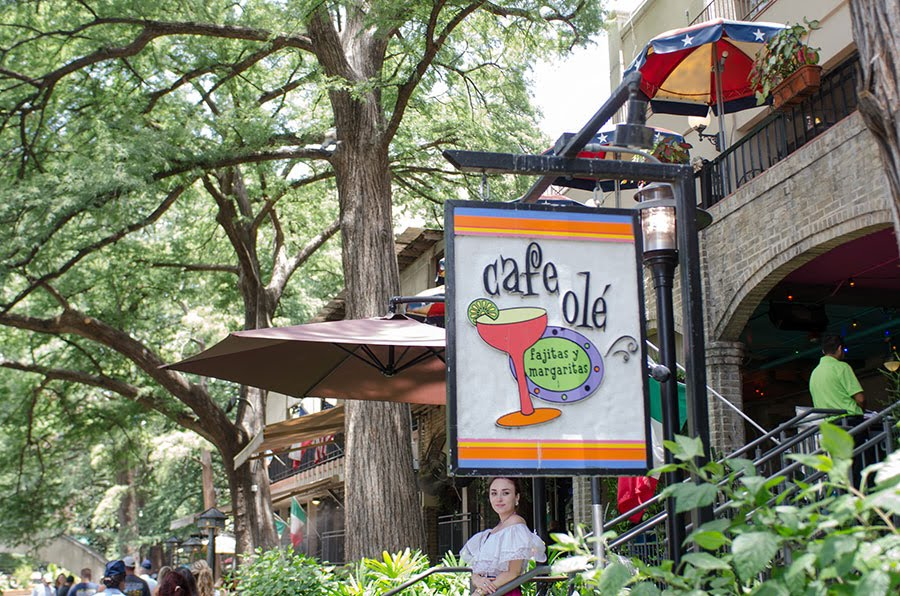 Exterior shot of the front of Cafe Ole at the San Antonio Riverwalk